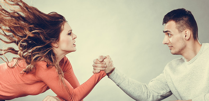 Woman-And-Man-Arm-Wrestling