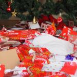 Ecco come si può riciclare la carta da regalo usata in qualcosa di eccitante